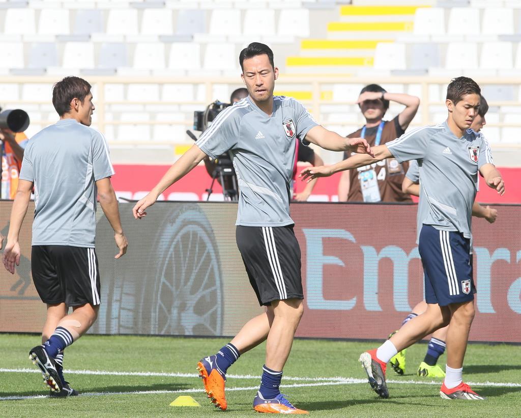 サッカー日本代表】トルクメニスタン戦速報(1)先発に大迫、吉田が ...