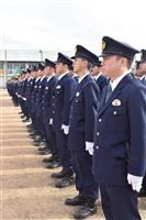 警察官320人力強く行進 宇都宮で県警年頭視閲式