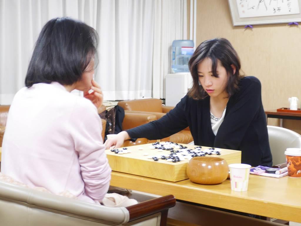 囲碁女流名人戦挑戦者に謝六段 2...