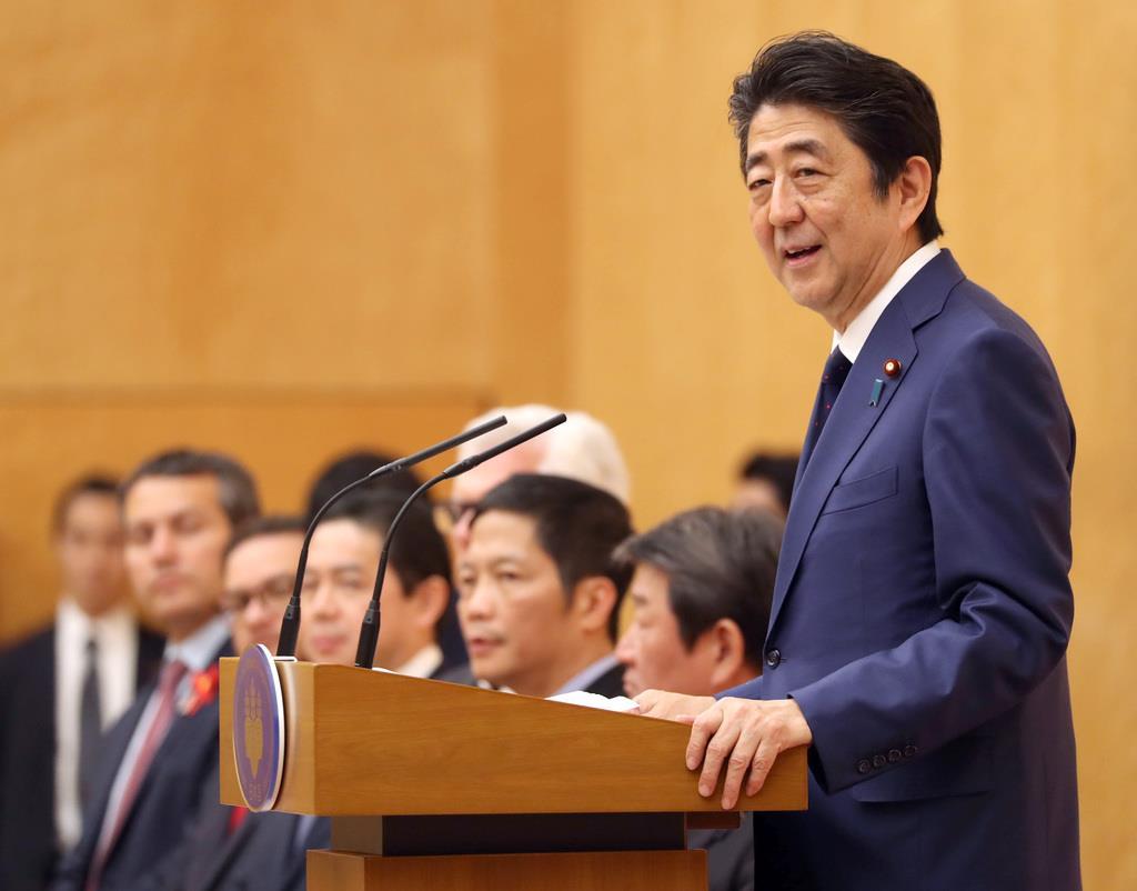 安倍首相「自由貿易の歴史に新章開いた」 TPP発効記念式典で ...