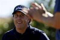 ミケルソン66で首位守る 米男子ゴルフ第3日