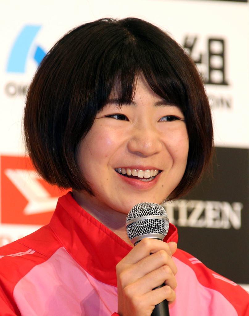 第38回大阪国際女子マラソン会見にのぞむ大森菜月=25日午後、大阪市中央区のホテルニューオータニ大阪(宮沢宗士郎撮影)