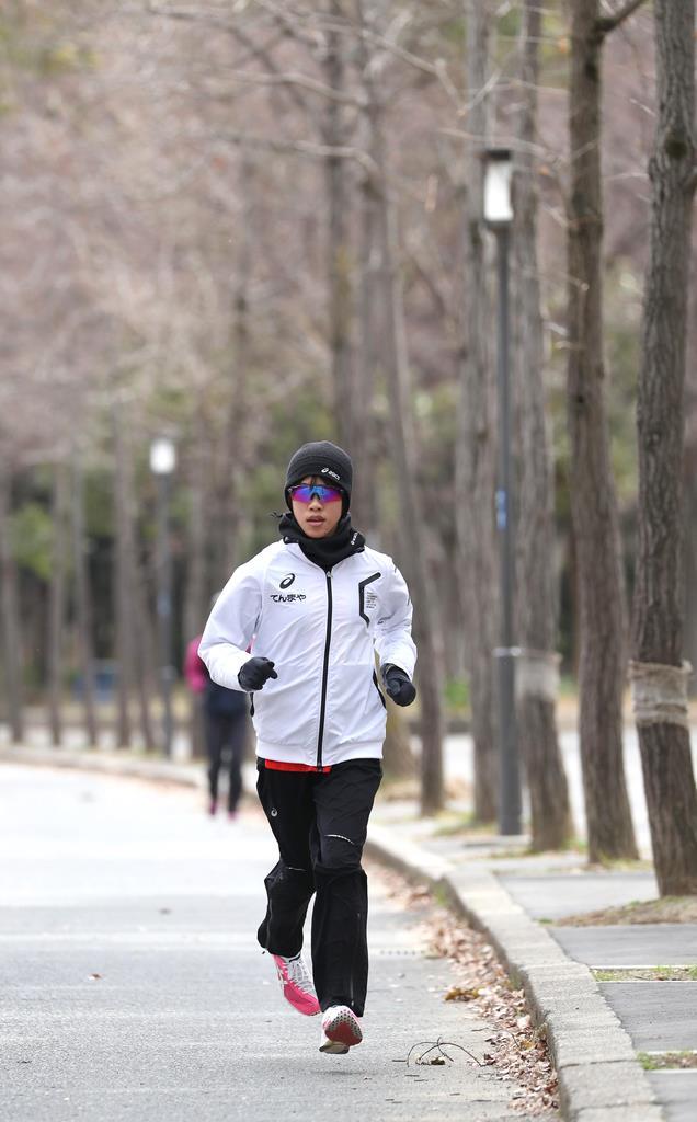 前日練習する小原怜=26日午前11時50分、大阪市中央区(鳥越瑞絵撮影)