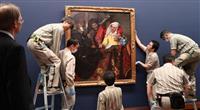 「フェルメール展」大阪へ 作品展示作業始まる
