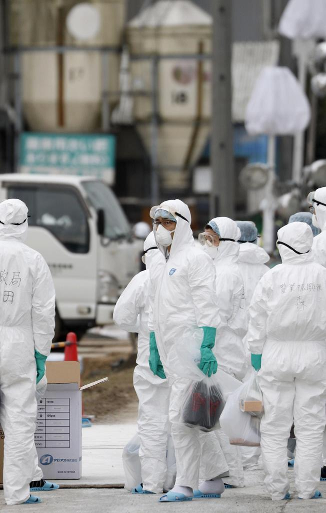 防疫作業などが続く愛知県豊田市の養豚場=9日午前