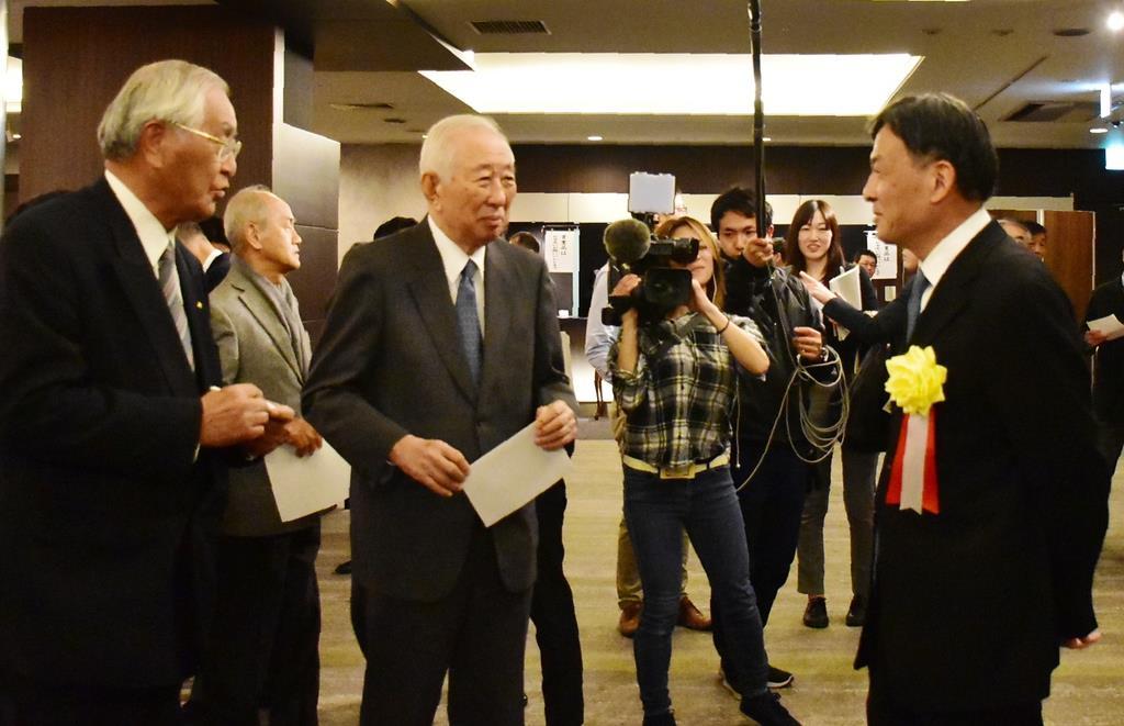 涙の静岡副知事、異例の「不出馬会見」(2/4ページ) - 産経ニュース