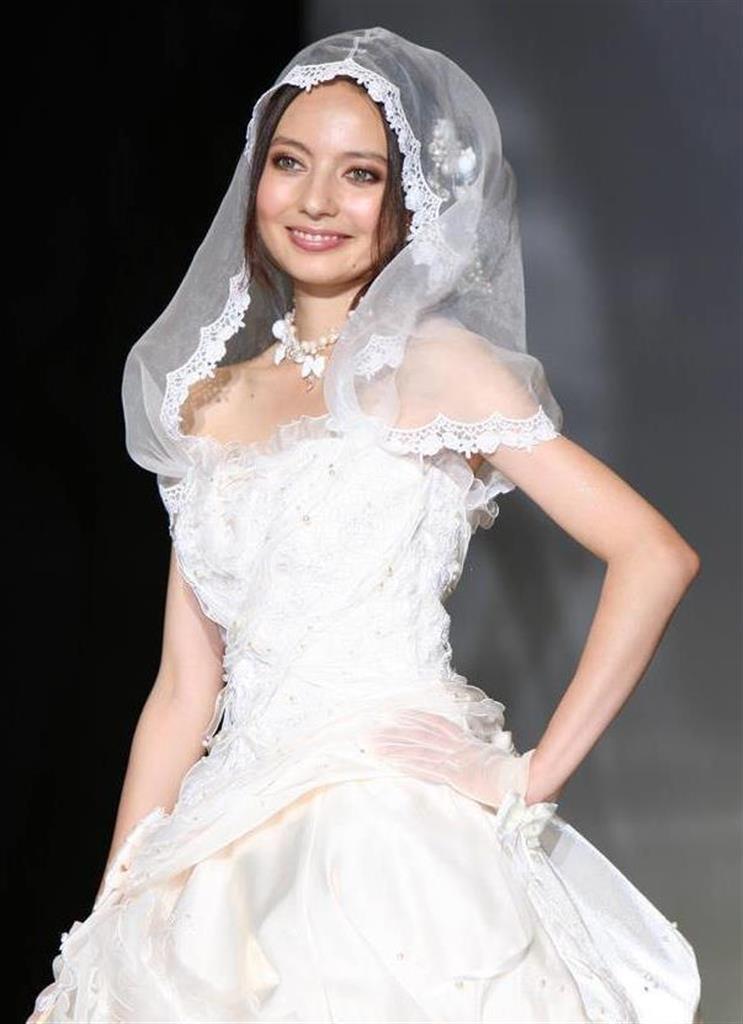 片岡 ベッキー 結婚