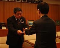 堺市長に市議会会派が説明責任求める 政治資金問題で