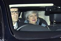 英議会、EU離脱方針を否決 メイ首相また打撃