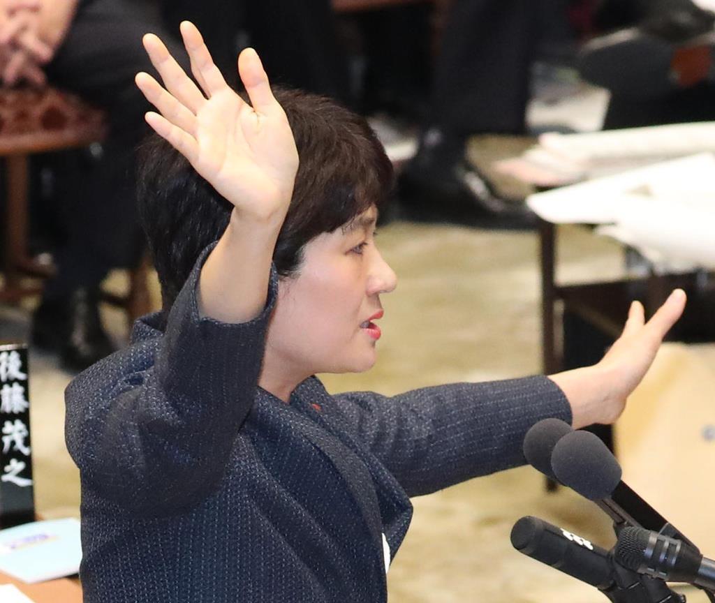 立憲民主党の西村智奈美氏(春名中撮影)