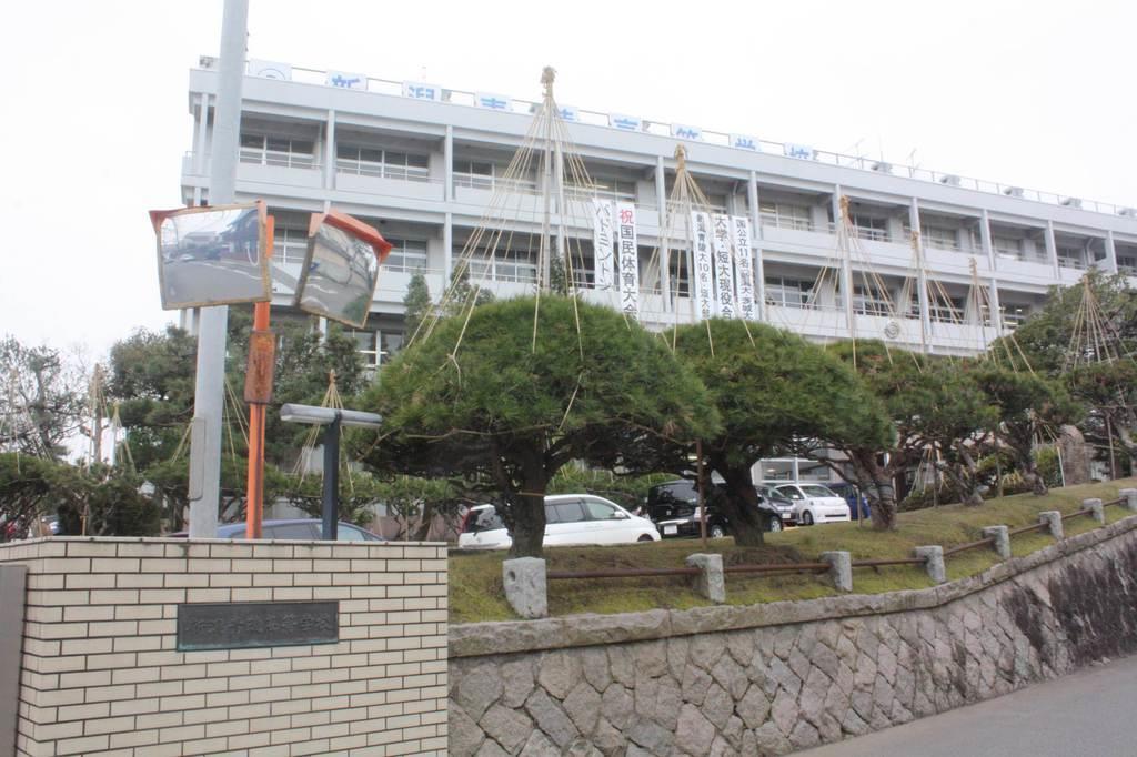 SNSで集団暴行動画拡散 被害生徒が新潟県警に被害届提出