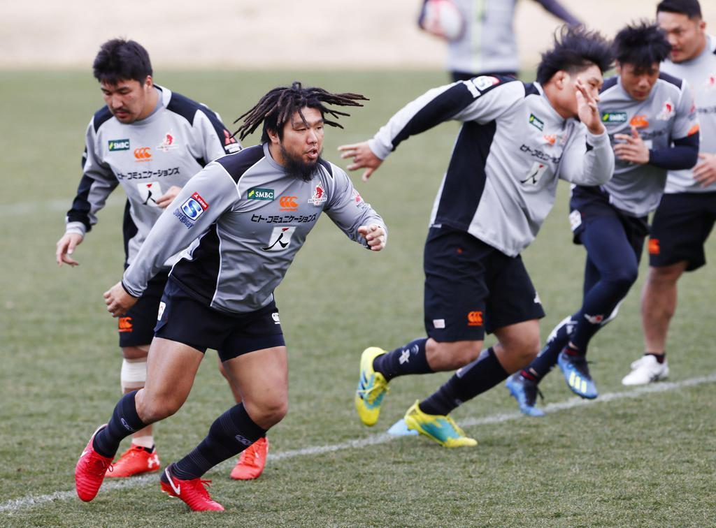 ラグビー代表候補がギアチェンジ 試合形式の練習開始