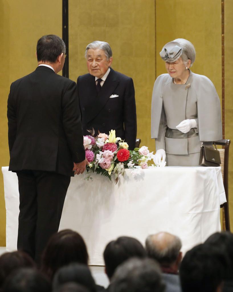 第70回結核予防全国大会に臨席された天皇、皇后両陛下=2月28日、東京都文京区