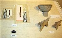 銅製人形など出土品90件 奈文研の資料館、発掘成果を紹介