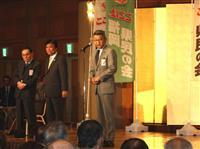 福岡知事選 現職陣営に自民元議員の影 「当選しても言いなり」