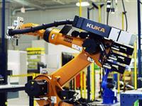 ロボットはどれだけ人に歩み寄れるか? 米工場の「協働作業」に見る働き方の未来