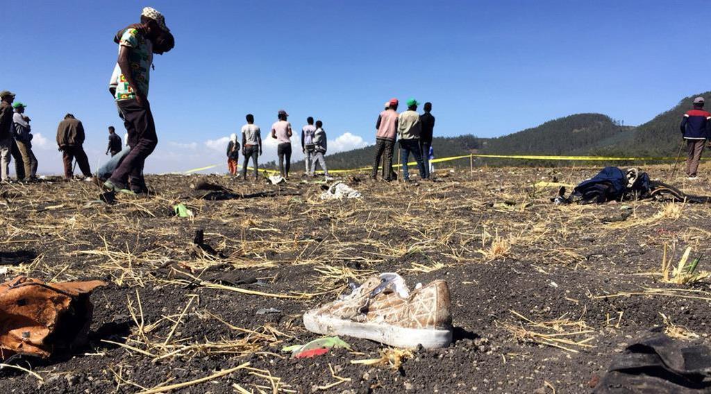 エチオピア航空のET302便が墜落したとみられる現場=10日、アジスアベバ南東(ロイター)