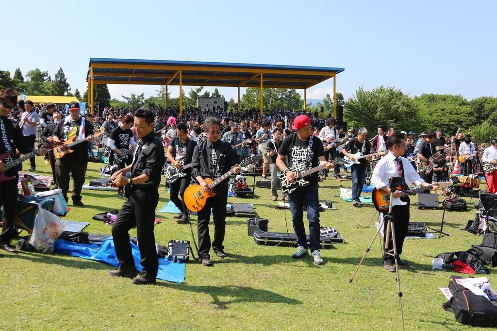 昨年は、演奏者と聴衆の約6000人が熱くロックの演奏に盛り上がった