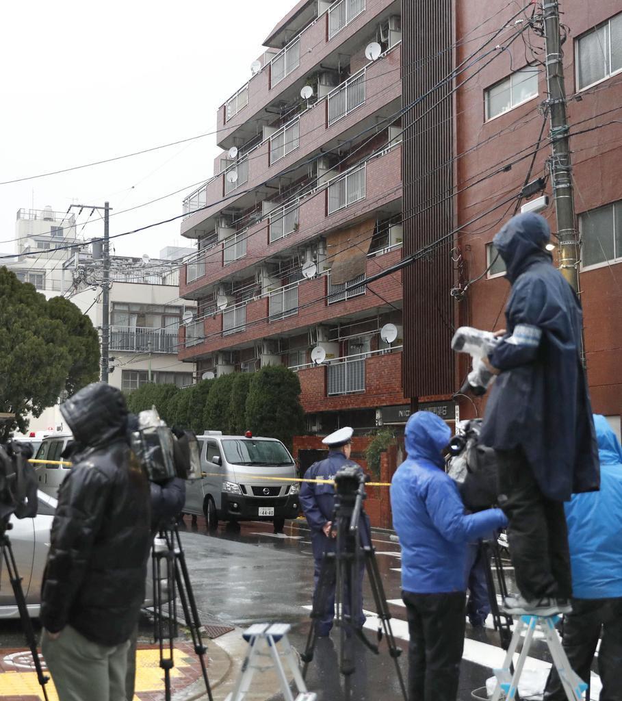 高齢女性が死亡しているのが見つかった現場のマンション=2月、東京都江東区