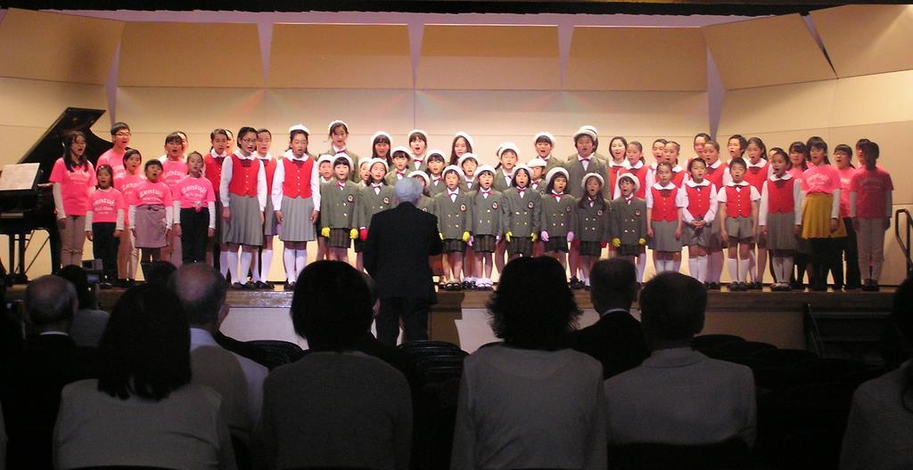 県内から6団体が参加して合唱祭が開かれた=香川県小豆島町