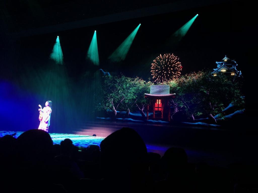 最新のデジタル技術を駆使した新歌劇「KEREN」=大阪市中央区