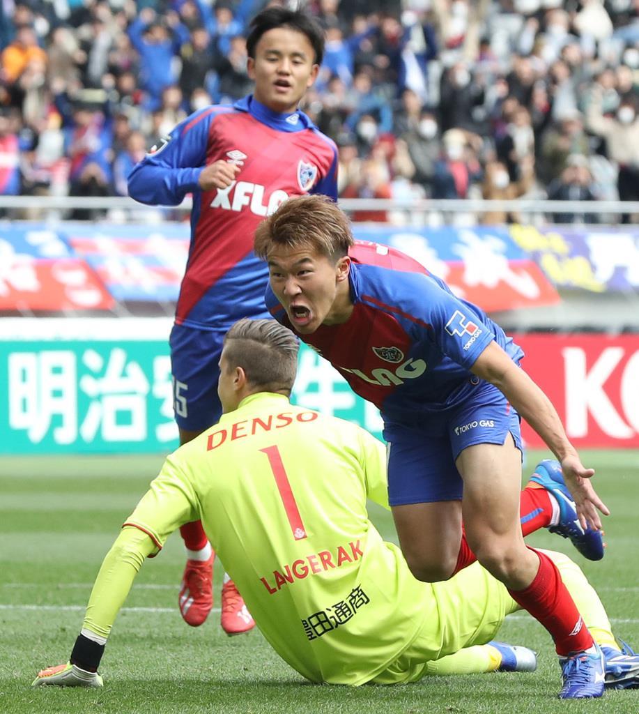 後半、先制のゴールを決め、駆け出すFC東京の永井謙佑=17日、味の素スタジアム(撮影・蔵賢斗)