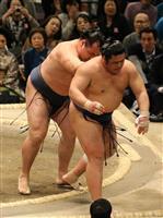 2場所連続休場明けの鶴竜、勝ち越し 大相撲春場所