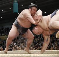 貴景勝、鶴竜撃破で勝ち越し 「夢中だった」 大関昇進へ大きく前進