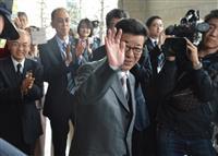 松井一郎知事、吉村洋文市長が最後の登庁、自民系候補は会合へ