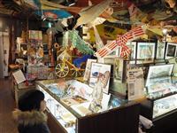 【大人の遠足】国内外のたこ文化を一堂に 東京・日本橋「凧の博物館」