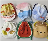 シカ、かき氷、金魚…奈良っぽいかわいい土産物 奈良交通制作、巾着袋とハンカチ登場