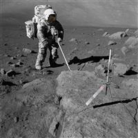 月の石を新たに分析 NASA、基地建設へ準備
