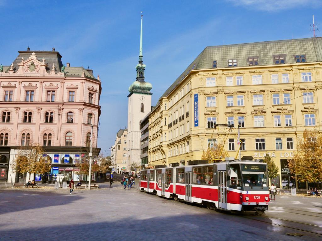 チェコ第二の都市ブルノは、路面電車に乗って車窓を眺めるのにふさわしい、美しい街だ