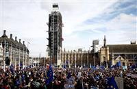 英離脱の国民再投票求め数十万人デモ