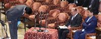 首相、罷免を否定 「忖度」発言の塚田国交副大臣