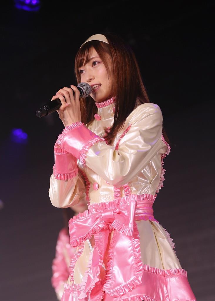 暴行被害を公表後、NGT48劇場の3周年公演でファンの前に初めて姿を見せた山口真帆さん=1月、新潟市中央区(AKS提供)
