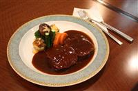 【甲信越うまいもん巡り】新潟・西洋料理店「ピーア軒」タンシチュー とろける食感
