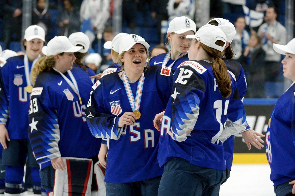 米国が5連覇達成 アイスホッケー女子の世界選手権