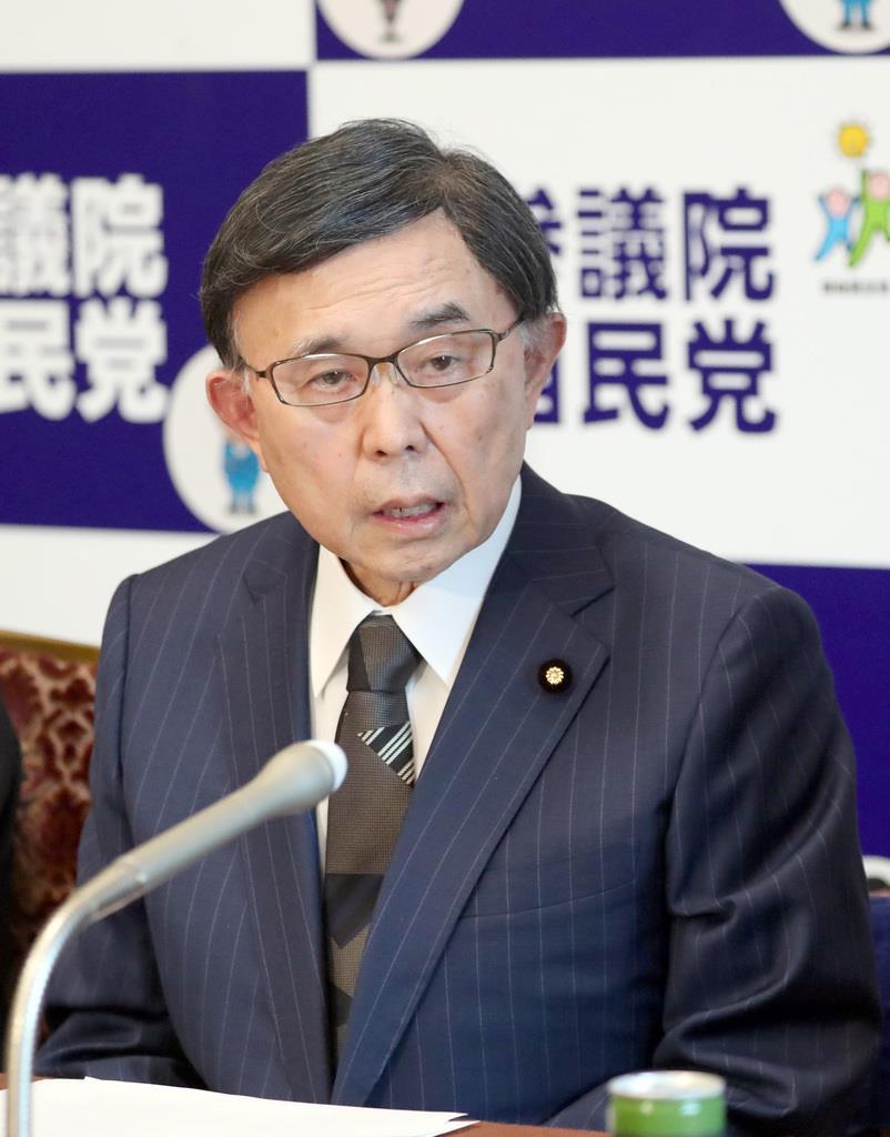 会見で記者団の質問に答える自民党・吉田博美参院幹事長=16日午後、国会内(春名中撮影)