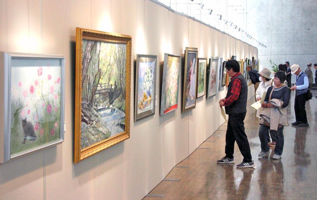 那須白河文化交流美術展 那須野が原ハーモニーホールで21日まで