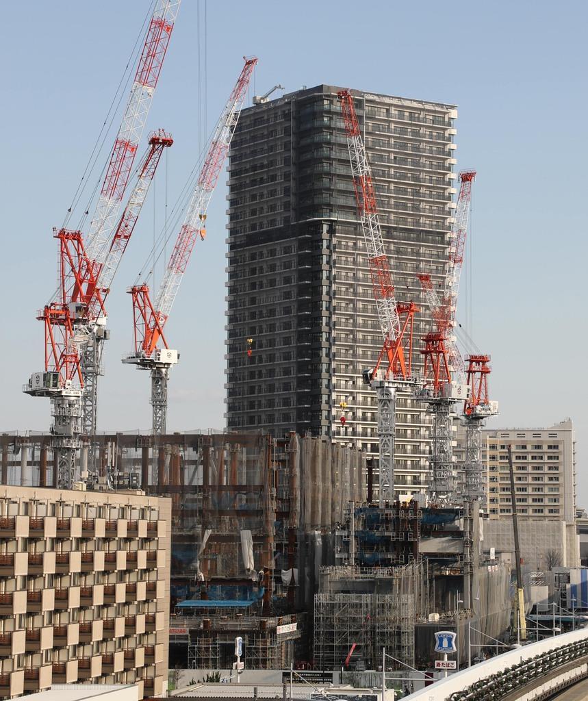 マンションの建設現場=東京江東区(萩原悠久人撮影)