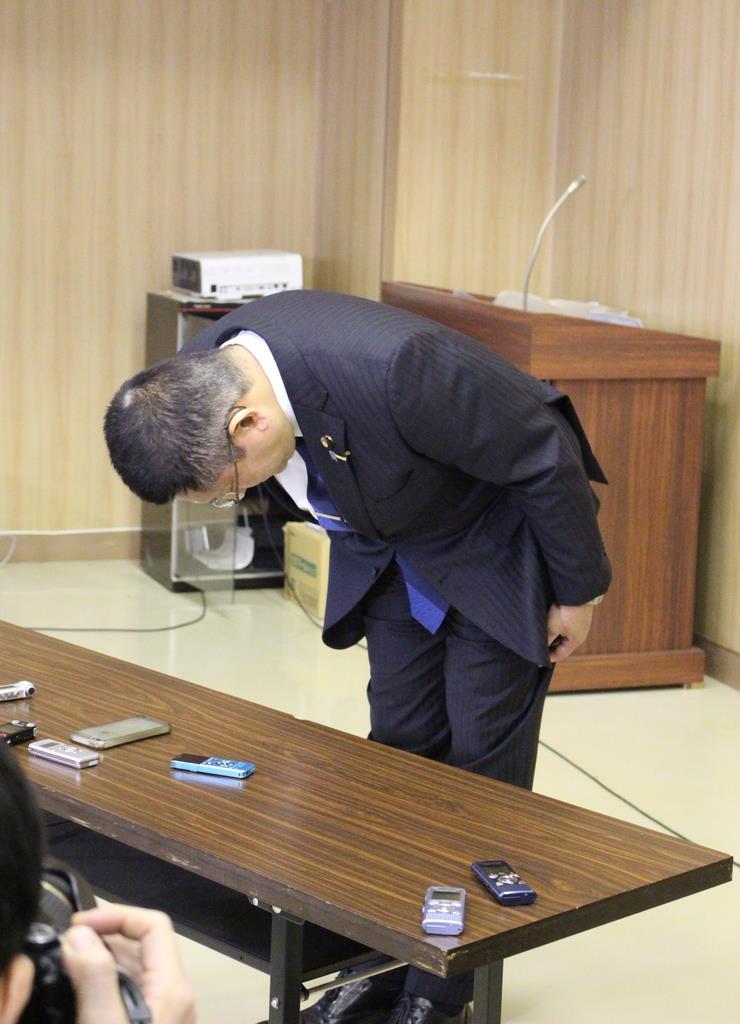 """忖度""発言の塚田元国交副大臣が新潟県連会長を辞任"