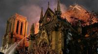 大聖堂、800度の高温で尖塔崩落か 「バラ窓」やパイプオルガンは焼失免れる 絵画はルー…