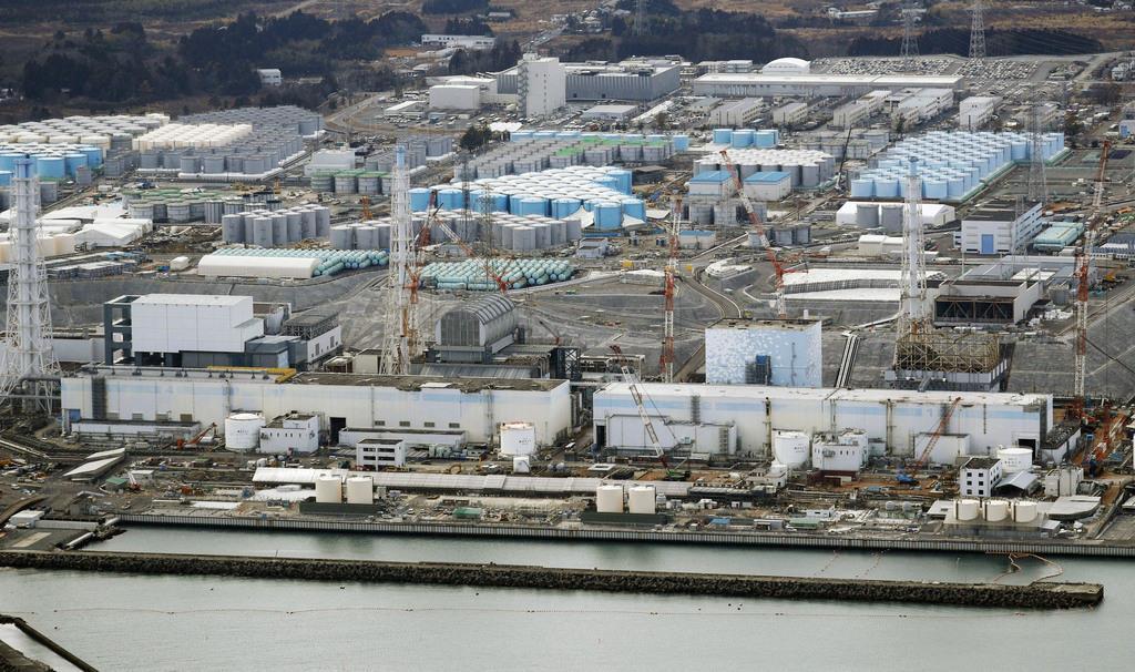 東京電力福島第1原発。右から1、2、3、4号機=2018年2月
