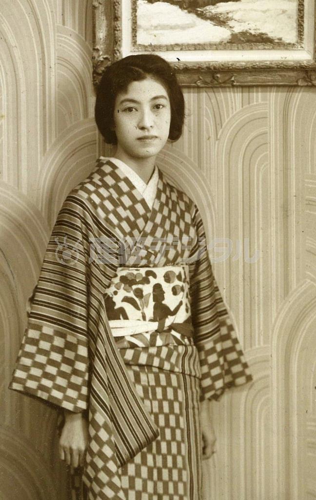 帝塚山の奥様時代の橋本多佳子38歳。まもなく夫を亡くし俳句に打ち込む