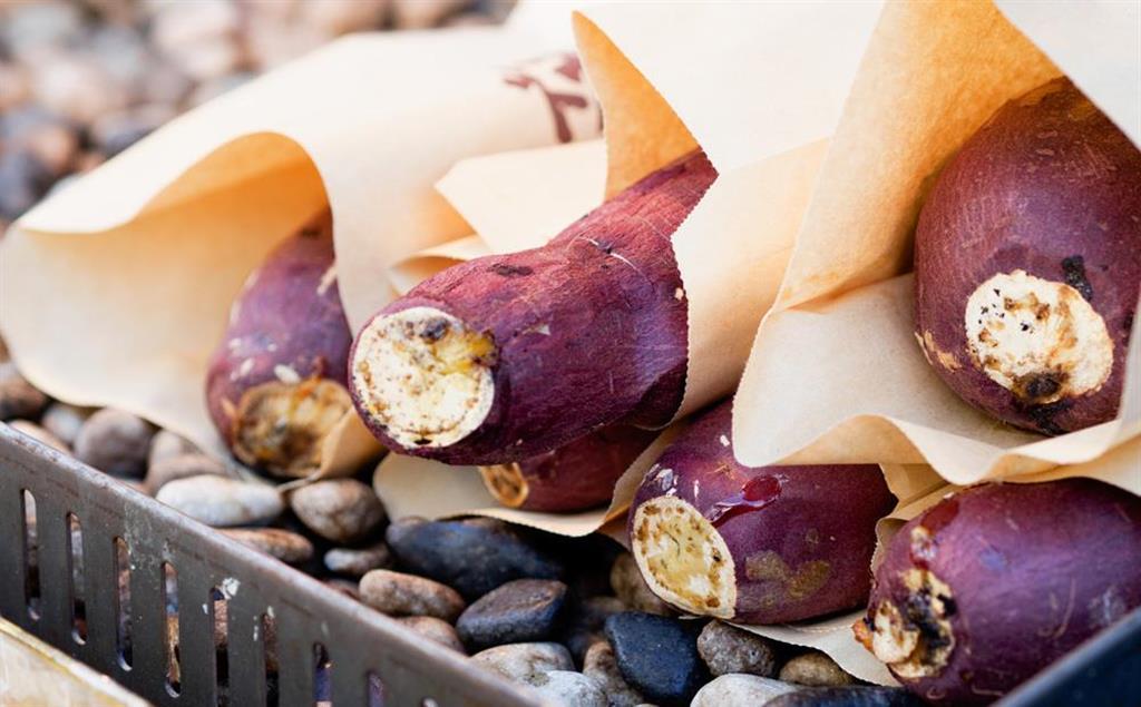 焼き芋が海外でも人気(写真提供:ゲッティイメージズ)