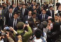 【安倍政権考】総理番がチェック 補選敗北の安倍首相「人気低下」は本当か