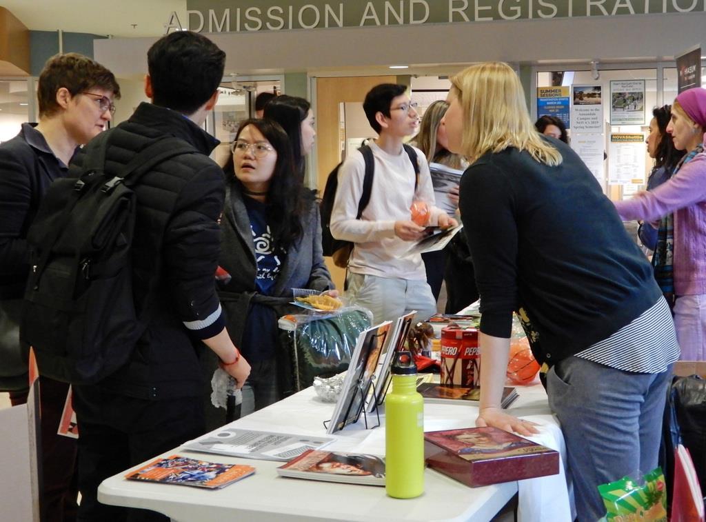 州立ノーザンバージニア・コミュニティカレッジには多国籍の留学生が集う=3月27日、米バージニア州スプリングフィールド(猿渡友希撮影)