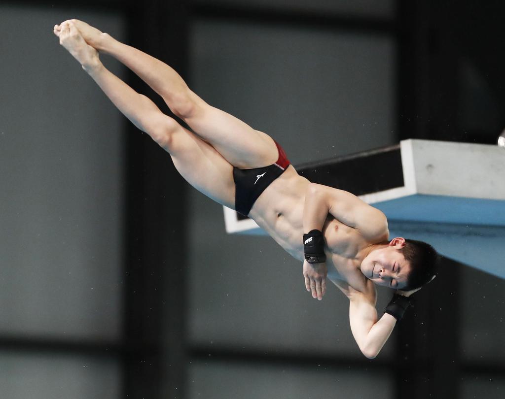 【プールサイド】一瞬にかける飛び込み 東京五輪へ、坂井「内定1号決める」