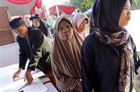 選管職員119人超死亡 インドネシア W選で過労か
